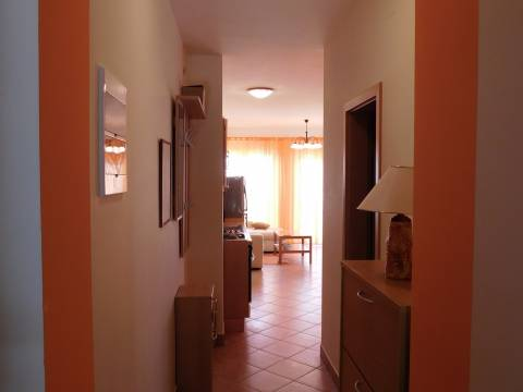 PRILIKA !! Novi Vinodolski, drugi red do mora 52m2+53m2